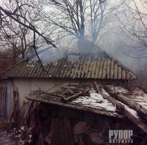 В Житомирській області під час пожежі в житловому будинку виявили загиблого чоловіка