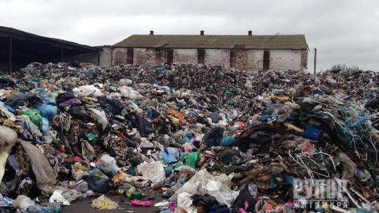 Житомирський УКРОП: Проблему зі львівським сміттям на Житомирщині треба вирішувати негайно