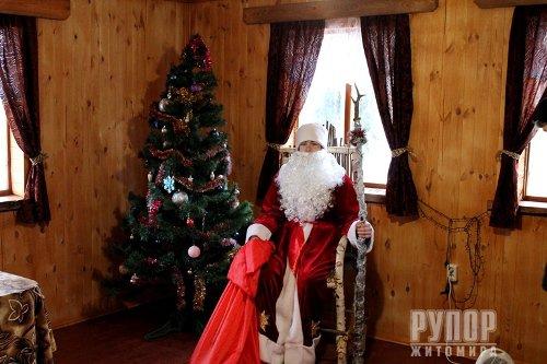 Максим Вілівчук презентував оновлену «Хатинку рибалки», що у селі Старий Солотвин