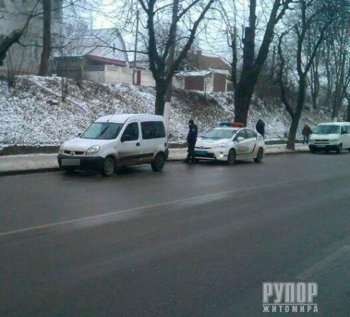 Під Житомиром поблизу АЗС - сталася стрілянина. ФОТО