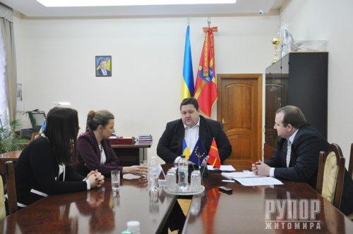 Губернатор Житомирщини із замміністра економіки Наталією Микольською обговорили питання передачі земель ОТГ