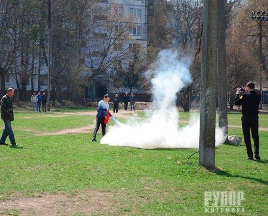 Житомир: умовна пожежа, евакуація, вибухи – у загальноосвітній школі № 16 пройшов День цивільного захисту
