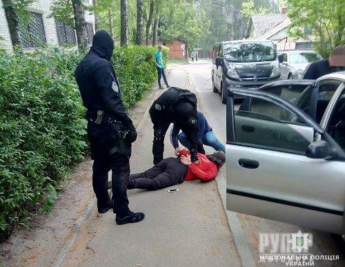 У Житомирі затримали професійних шахраїв з Луганська та Дніпра. ФОТО