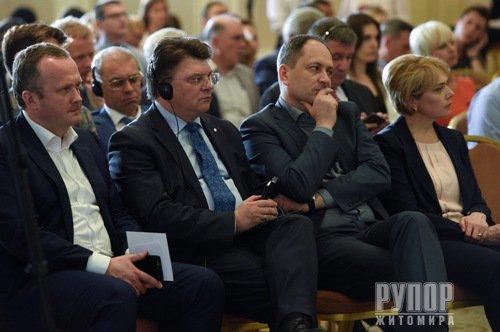Арсеній Яценюк звернувся до партнерів із НАТО надати Україні статус партнера Альянсу з розширеними можливостями
