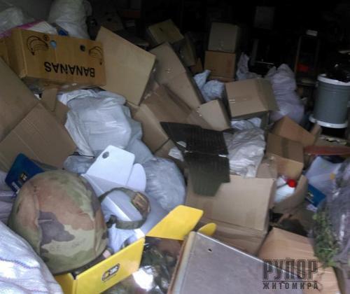 У житомирської волонтерки з гаража викрали допомогу, яку збирали для військових. ФОТО