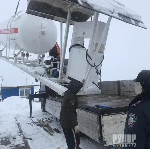 На Житомирщині прокуратура спільно із податківцями припинили діяльність ще однієї тіньової автогазозаправної станції