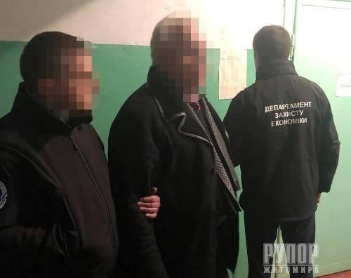 У Житомирі поліція затримала на хабарі у 20 тисяч грн керівника філії «Військторгсервісу»