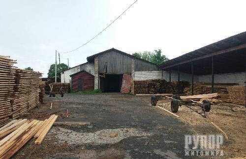 На Житомирщині в меліоративній канаві виявили тіло рівненського бізнесмена. Моторошні подробиці вбивства