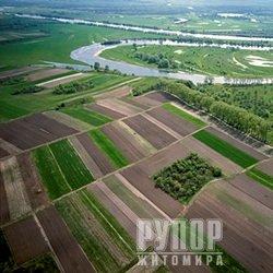 Експерти Держгеокадастру у Житомирській області опрацювали понад 7 тис. проектів землеустрою за принципом екстериторіальності