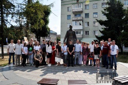 Житомиряни відзначили 112-річчя від дня народження Олега Ольжича