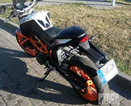 Мотоцикл, котрий викрали у 2016 в Італії — виявили патрульні в Житомирі