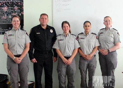 Канадські поліцейські розпочали тренінги для житомирських колег
