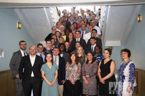 Третій рік поспіль у Житомирі волонтери Корпусу Миру США реалізовують соціально-гуманітарні проекти