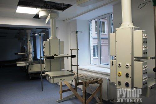 Володимир Ширма перевірив готовність капітально відремонтованих реанімаційних відділень обласної лікарні
