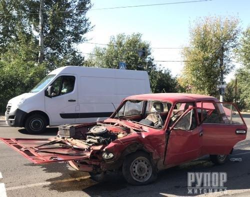 У Житомирі через зіткнення двох ВАЗівок травмовано дитину