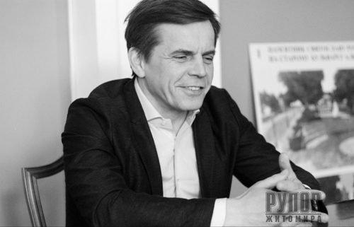 Сергій Сухомлин: Дозволили відчинити магазинчики, аби збільшити конкуренцію й не дати підвищити ціни