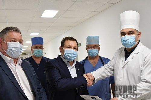 Житомирська обласна клінічна лікарня отримала у подарунок ще один апарат штучної вентиляції легень