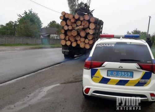 На Житомирщині знову виявлено факт перевезення лісопродукції без дозвільних документів