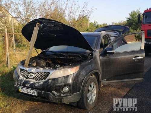 На автотрасі Житомир-Виступовичі загорівся автомобіль