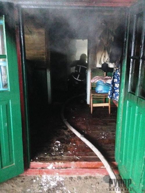 В Житомирській області на пожежі виявили тіло загиблого чоловіка