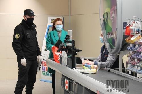 На Житомирщині з початку року поліцейські зафіксували понад 9,3 тисяч порушень карантину